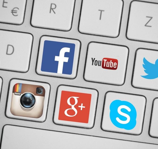 clavier reseaux sociaux